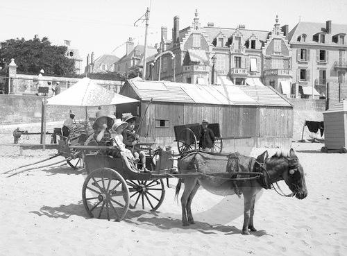 NE006164 Les Sables dOlonne : Portrait dune ville côtière