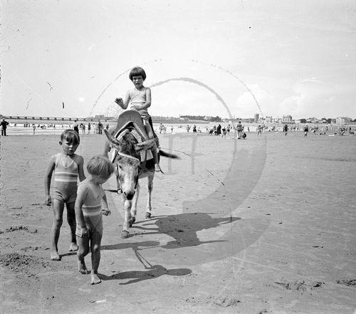 NE007437 Les Sables dOlonne : Portrait dune ville côtière