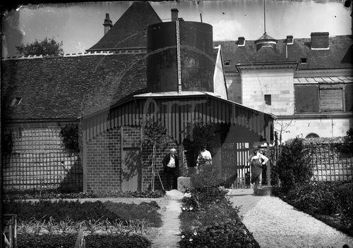 NE017353  Bléré : portrait dune ville de Touraine au riche patrimoine photographique