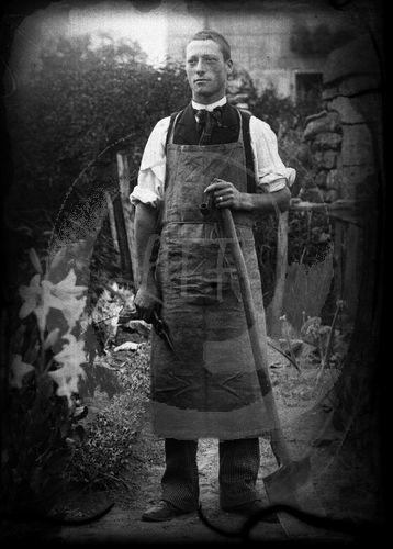 NE025086 Huismes : Portrait dun village français au début du siècle